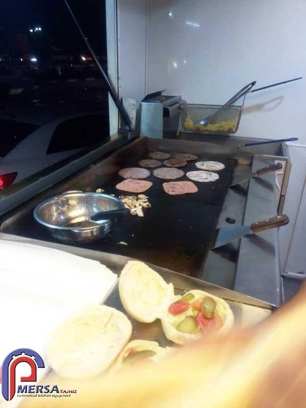 تجهیزات پخت داخل کامیون تهیه غذا
