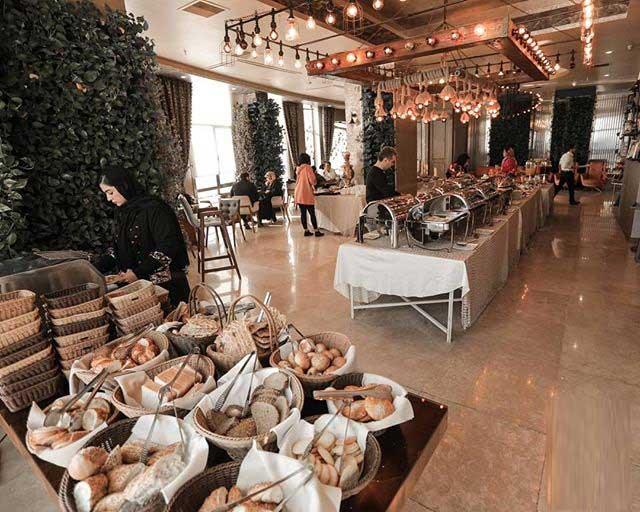فضای رستوران تهران بین