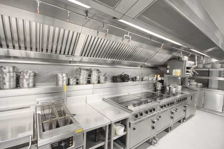 نکات بسیار مهم در رابطه با مسائل ایمنی آشپزخانههای صنعتی رستوران و فست فود